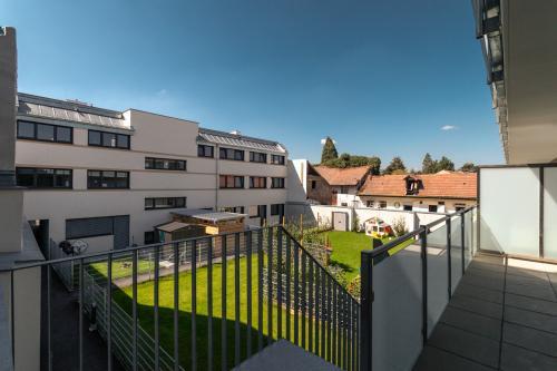 1.4 - Balkon und Garten